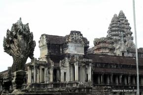 Tra le antiche pietre diAngkor